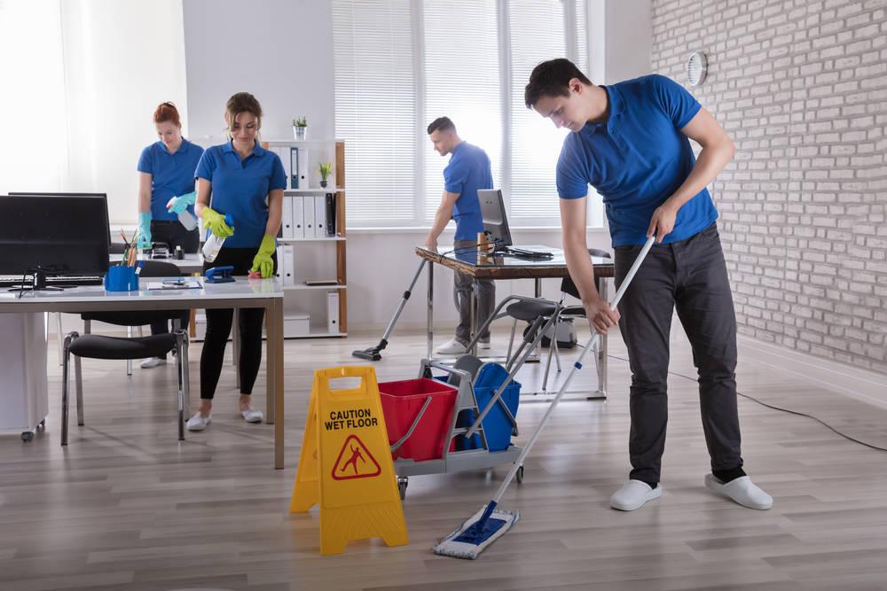 Si sientes que en tu oficina no trabajas bien, presta atención a la limpieza